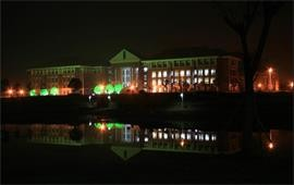 中国传媒大学夜景